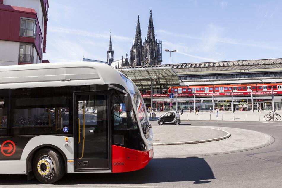 Ein Elektrobus der Kölner Verkehrsbetriebe.