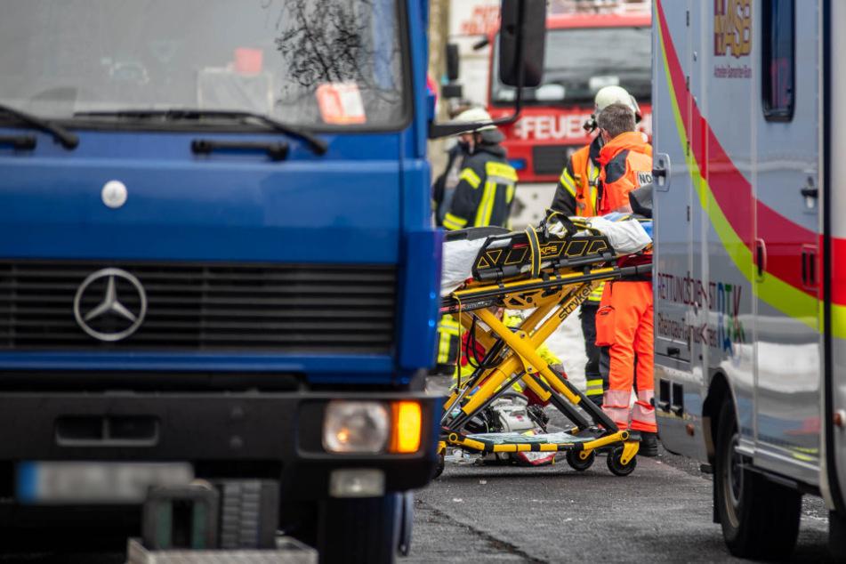 Tödlicher Unfall: Fahrer (†63) beim Ankoppeln zwischen Laster und Anhänger eingeklemmt