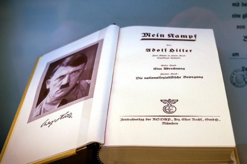 """Ab Mittwoch Neu-Ausgabe von Hitlers """"Mein Kampf"""" erhältlich"""
