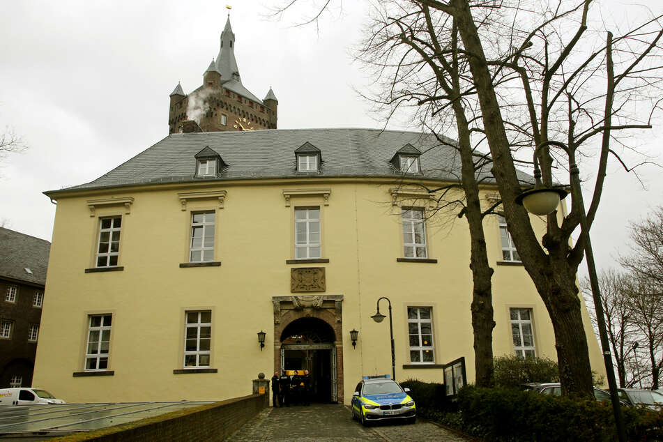 Schwangere misshandelt und dreimal vergewaltigt: So lautet das Urteil für den Täter (19)