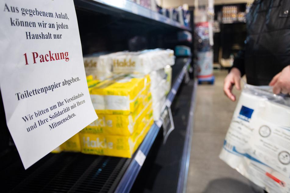 Im Frühjahr 2020 wurde der Verkauf von Klopapier zeitweise wegen der großen Nachfrage limitiert.