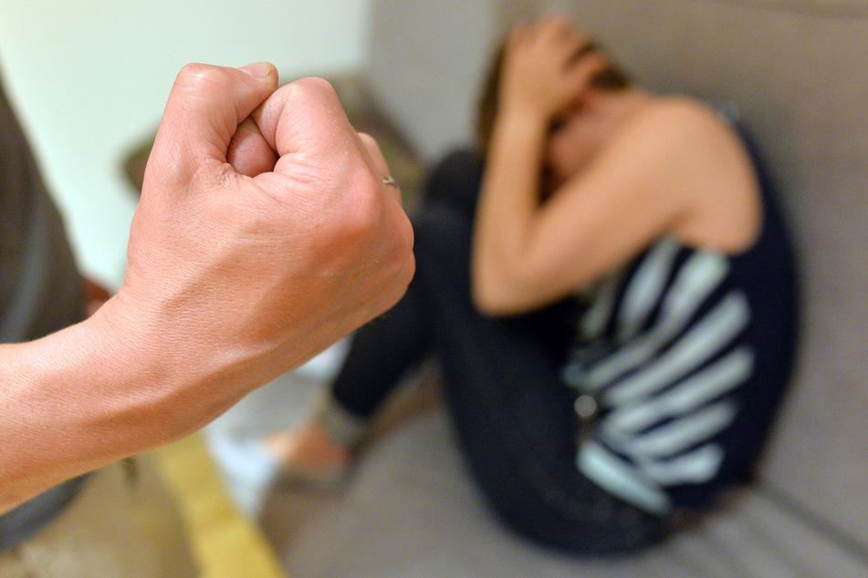 Zwischen März und Juni 2020 gab es in NRW weniger Fälle von häuslicher Gewalt als im Vorjahr (Symbolbild).