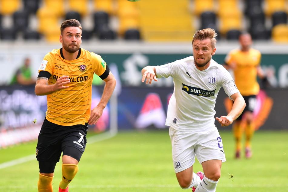 Sein bisher letztes Spiel bestritt Niklas Kreuzer (l., gegen David Blacha) am 28. Juni 2020 gegen den VfL Osnabrück. Es war gleichzeitig Dresdens Abgesang aus der 2. Liga.
