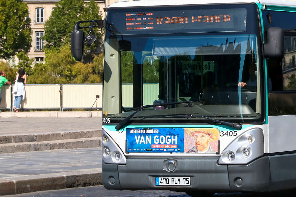 Busfahrer wird hirntot geprügelt, weil er an Maskenpflicht festhält