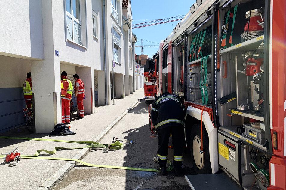 Mutter lässt Kinder in Küche zurück, plötzlich stehen Feuerwehr-Männer in der Wohnung