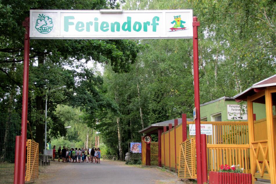 Diebe plündern Lager von Feriendorf