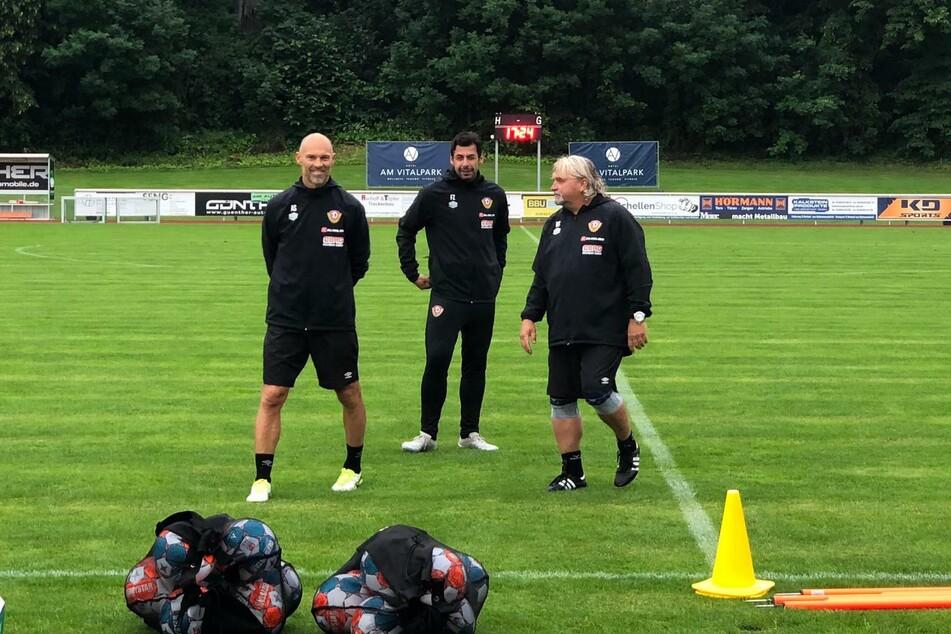 Trainer Alexander Schmidt (52, l.) hat seine Jungs ordentlich gefordert.