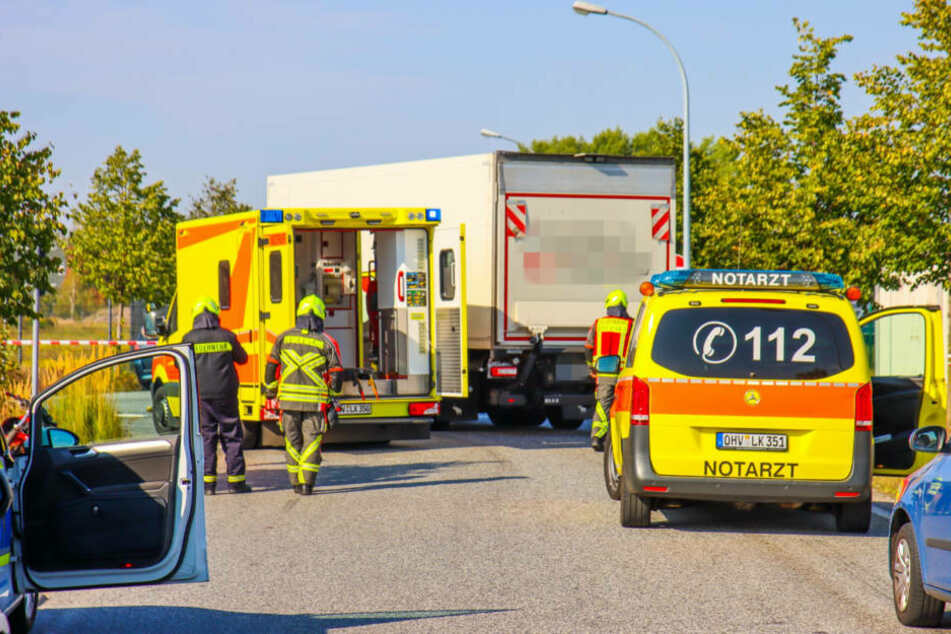 Tödlicher Unfall in Oranienburg: Motorrad kracht mit Lkw zusammen