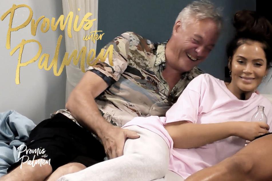 """""""Promis unter Palmen"""": Ronald (61) streichelt Janine (33) untenrum!"""
