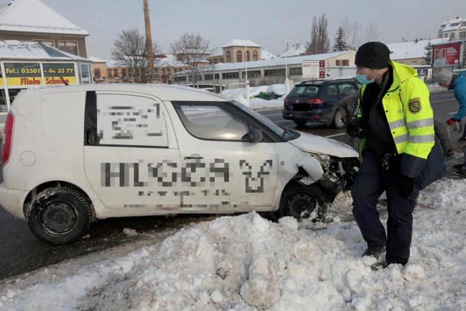 Die Polizei ermittelt derzeit noch zur Unfallursache.