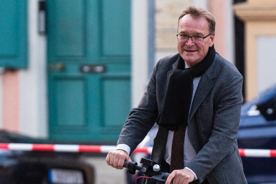 Ein Foto ohne Maske und auch ohne Mindestabstand bleibt ohne Folgen für Bambergs Oberbürgermeister Andreas Starke (64). (Archivbild)