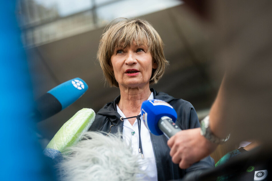 Viele Augen und Hoffnungen ruhen auf OB Barbara Ludwig (58, SPD). Sie kämpft für den Standort Chemnitz.