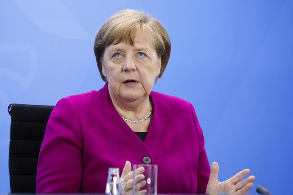 Bundeskanzlerin Angela Merkel gibt nach der Konferenz der Ministerpräsidenten und Regierungschefs der ostdeutschen Bundesländer mit der Kanzlerin am 27. Mai eine Pressekonferenz.