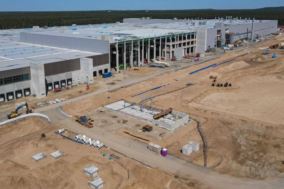 Das Baugelände der Tesla Gigafactory östlich von Berlin. Hier will das US-Unternehmen künftig rund 500.000 Autos pro Jahr herstellen.