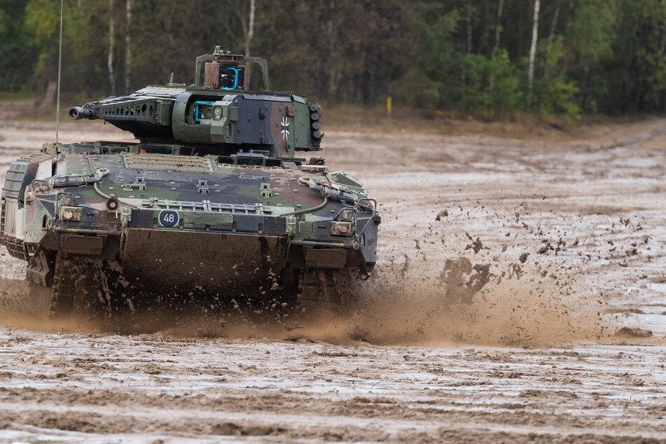 Ein Schützenpanzer der Bundeswehr vom Typ Puma: Einige dieser Modelle müssen aufgerüstet werden.