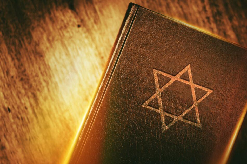 Mit Künstlicher Intelligenz gegen Antisemitismus im Internet