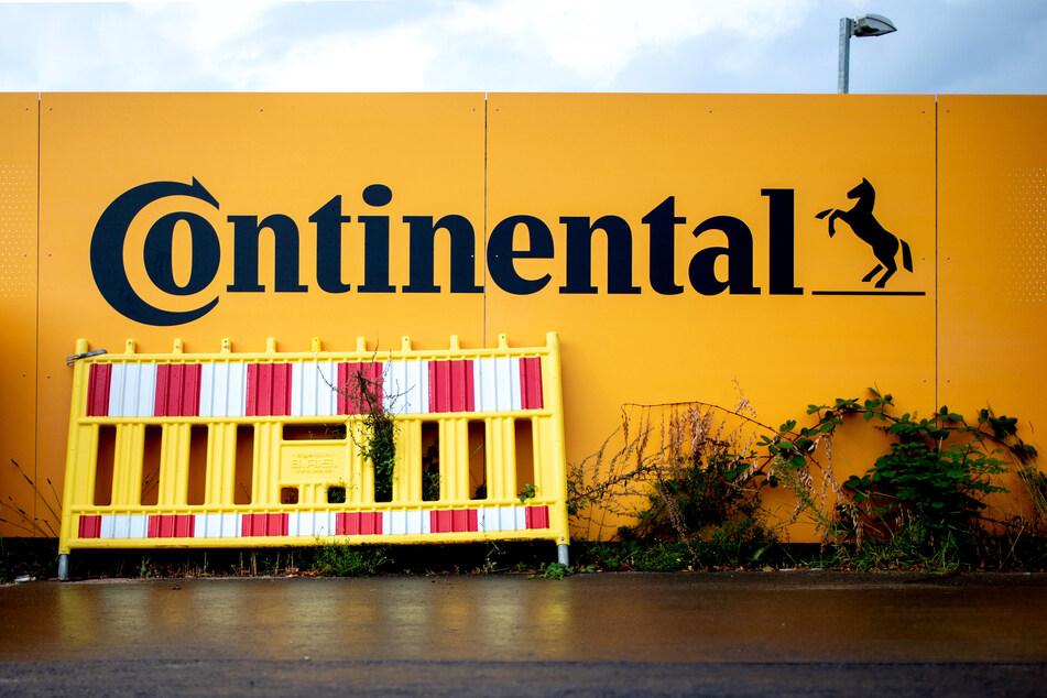 Der Autozulieferer und Reifenhersteller Continental hat in der Corona-Krise schwere Einbußen hinnehmen müssen und einen deutlichen Verlust eingefahren.