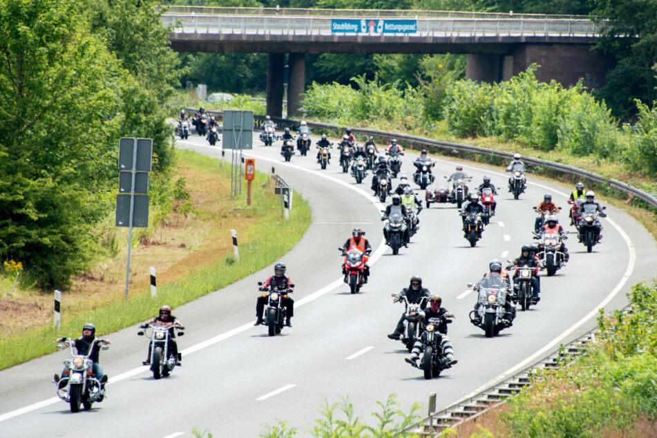 Motorradfahrer wollen gegen mögliche Fahrverbote demonstrieren