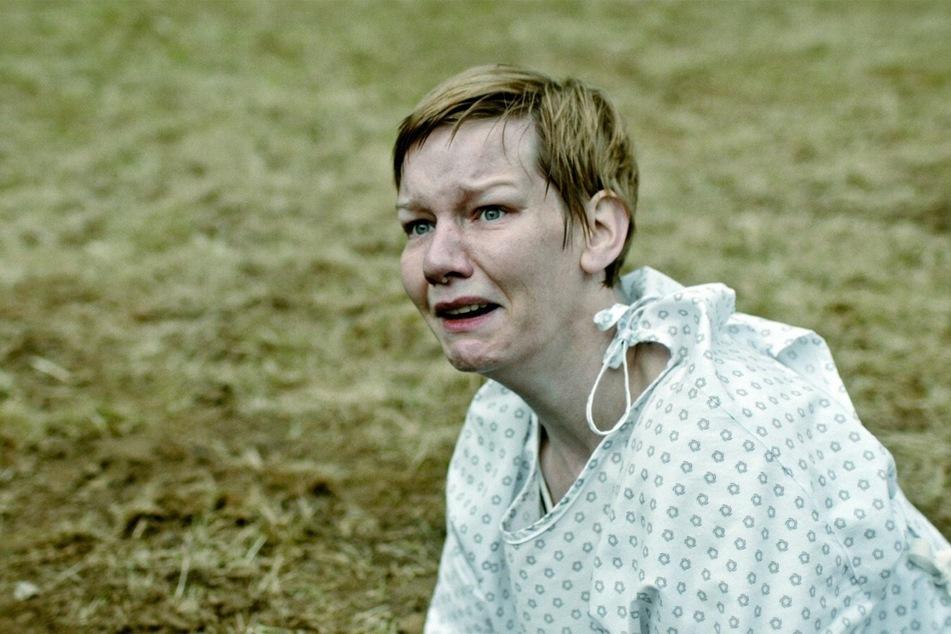 Marlene (Sandra Hüller) ist der Verzweiflung nah: was steckt hinter ihren grausamen Albträumen?