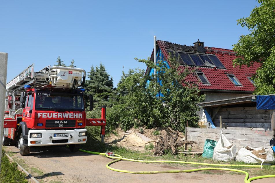 Die Feuerwehr rückte mit schwerem Gerät an.
