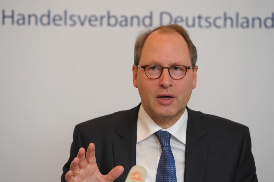 HDE-Hauptgeschäftsführer Stefan Genth (66).