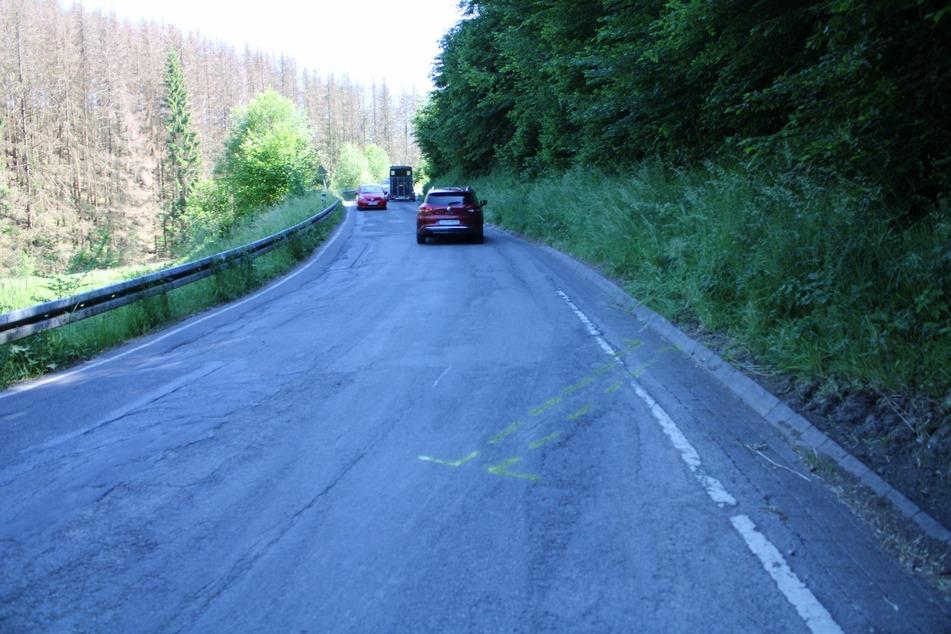 Auf der Kreisstraße 37 in Höhe Breidenassel bei Vilkerath kam es zu dem Unfall, bei dem sich der Motorradfahrer schwer verletzte.