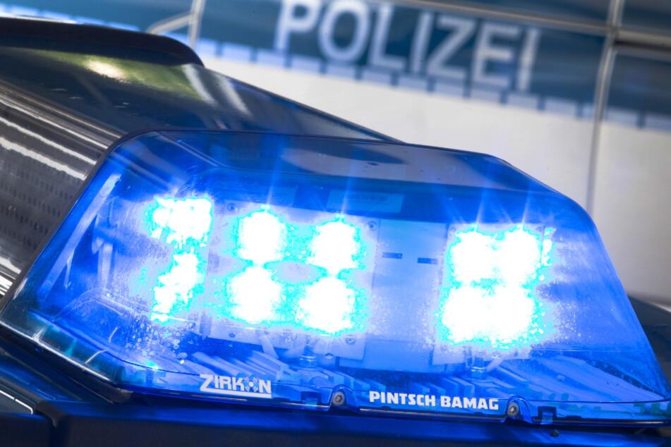 Unfallflucht in Gorbitz: Frau stößt Mann vor Auto, Polizei sucht Zeugen!