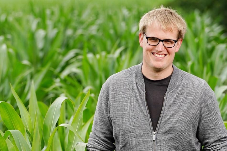 Bauer sucht Frau: Milchvieh-Bauer Simon startet in die Hofwoche: Peinliches Schweigen beim Kennenlernen