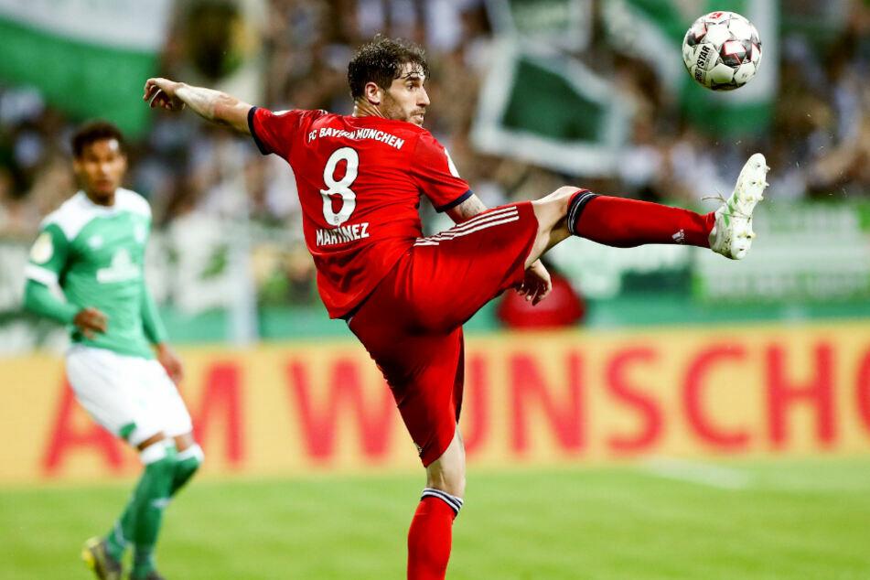 Über seine Zukunft hüllt sich Noch-Bayernspieler Javi Martinez (32) in Schweigen. (Archiv)