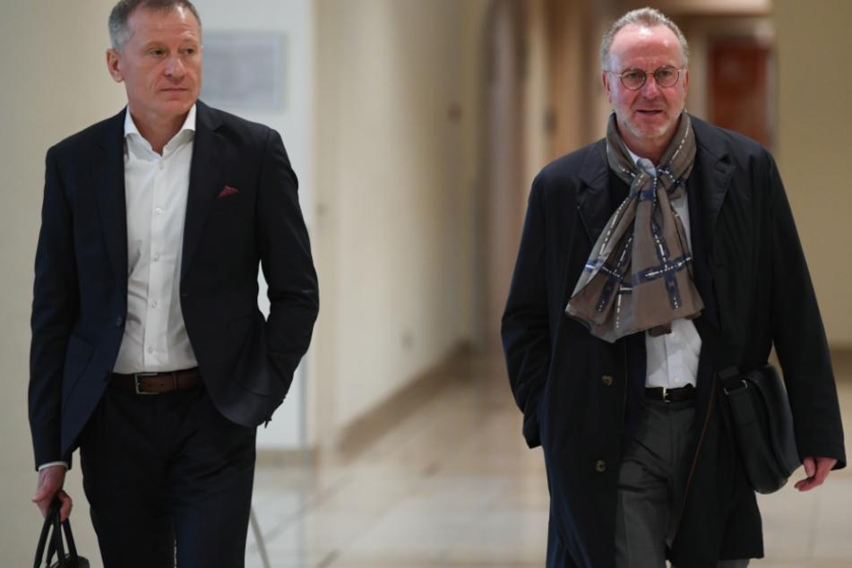 Peter Görlich, Geschäftsführer der TSG 1899 Hoffenheim (links im Bild) und Karl-Heinz Rummenigge, Vorstandsvorsitzender des FC Bayern München.