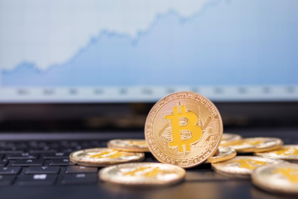 Schnelles Geld mit Bitcoin & Co.? Polizei warnt vor dieser Betrugsmasche!