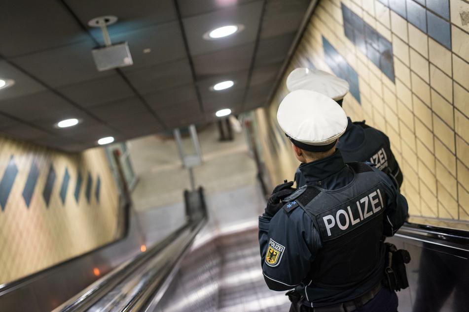 Betrunkener verliert die Kontrolle: S-Bahn kollidiert mit Einkaufswagen!