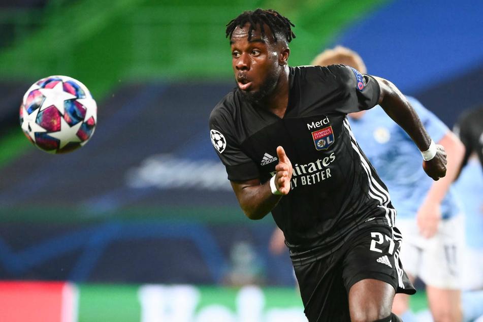 Maxwel Cornet (24) ist in der zurückliegenden Transferperiode von Olympique Lyon zum FC Burnley in die Premier League gewechselt. Auch die Hertha soll an dem Flügelflitzer interessiert gewesen sein.