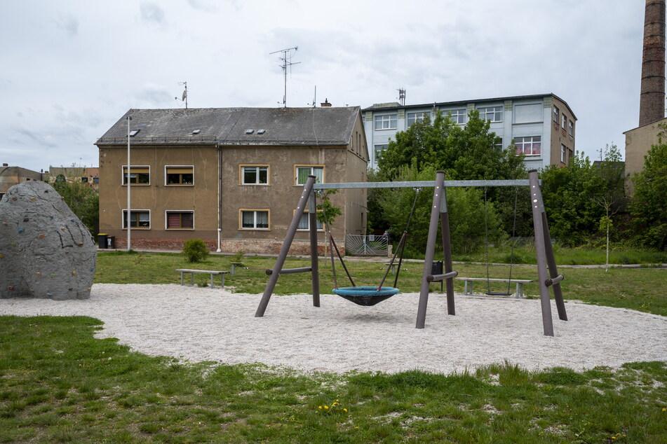 Unbekannte machten sich an Geräten des Crimmitschauer Spielplatzes zu schaffen. Sie lösten Schrauben und Muttern.