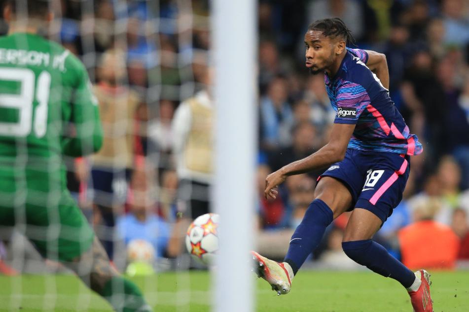 Obwohl Christopher Nkunku (23) mit insgesamt drei Toren immer wieder auf den englischen Meister verkürzen konnte...
