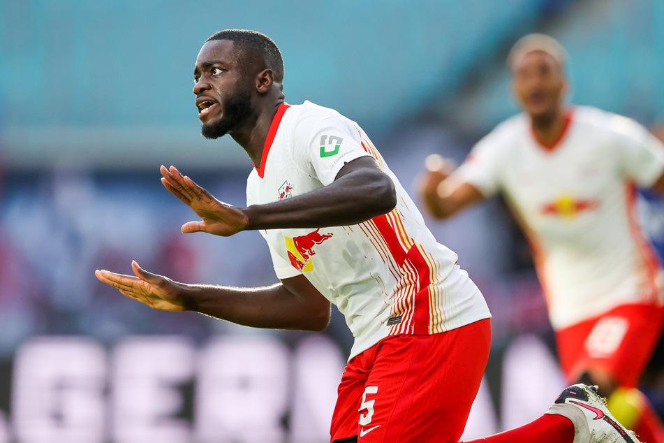 Noch hat Dayot Upamecano (22) einen Vertrag bis 2023 bei RB Leipzig. Vereine mit viel Geld könnten im Sommer jedoch seine Ausstiegsklausel ziehen.