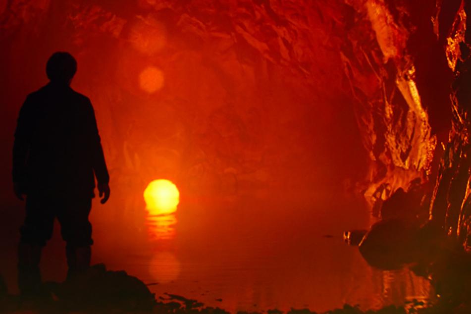 Clint (Willem Dafoe) kämpft mit seinen inneren Dämonen. Die Grenzen von Realität und Traum zerfließen.