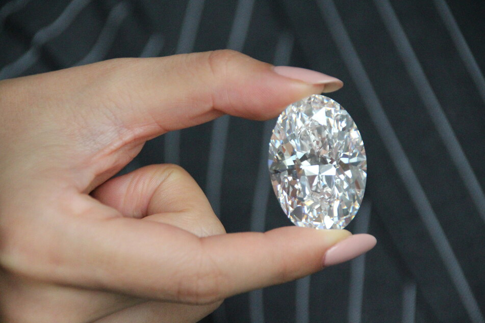 Teure Familientradition: Vater ersteigert 13-Millionen-Euro-Diamant