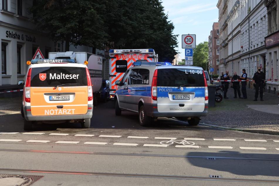 Bei der Auseinandersetzung in der Eisenbahnstraße wurde laut Polizei eine Person verletzt.