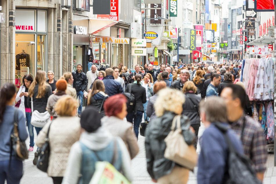 Geschäfte dürfen in NRW in der Adventszeit ausnahmsweise auch sonntags öffnen (Archivbild).