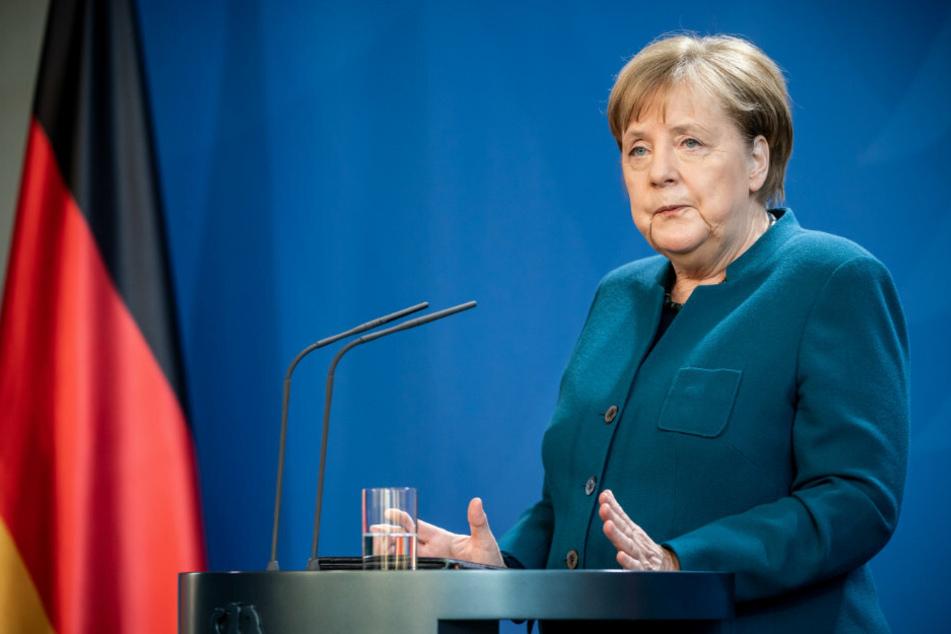 Angela Merkel ruft bei der Feuerwehr an, doch die legt eiskalt auf!
