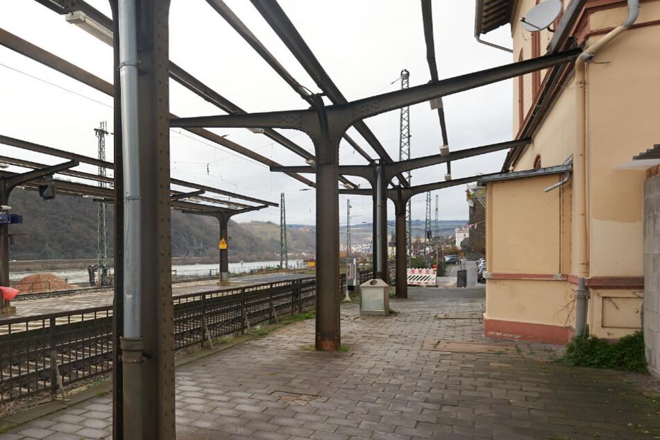 Mann wohnt ein halbes Jahr lang in Deutsche-Bahn-Gebäude: Ein dummer Fehler lässt ihn auffliegen
