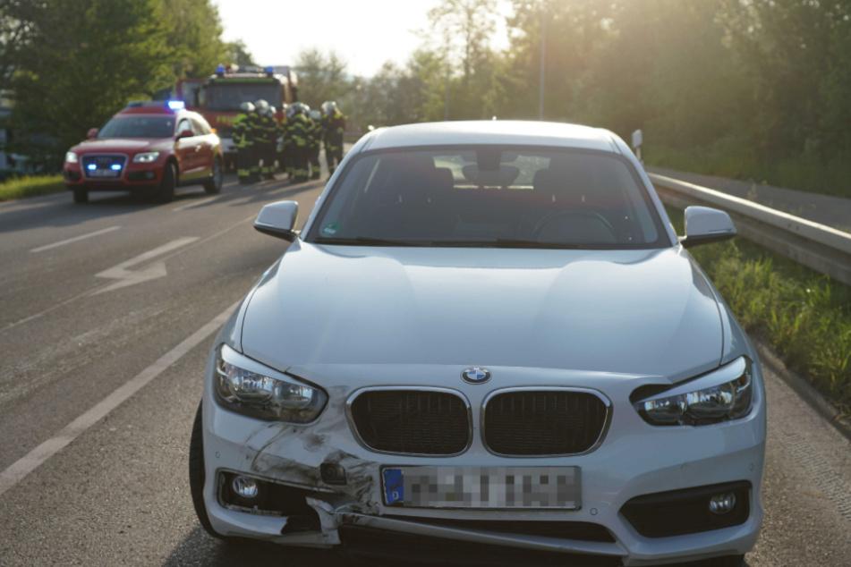 Mit diesem BMW ist der Fahrer mit einem Traktor kollidiert.