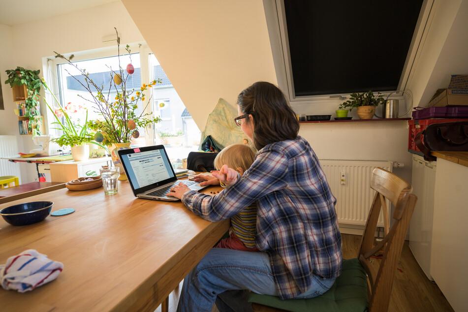 Für die meisten Menschen ist das Arbeiten von zuhause aus sowieso schon eine organisatorische Belastung, gerade wenn man Familie hat.