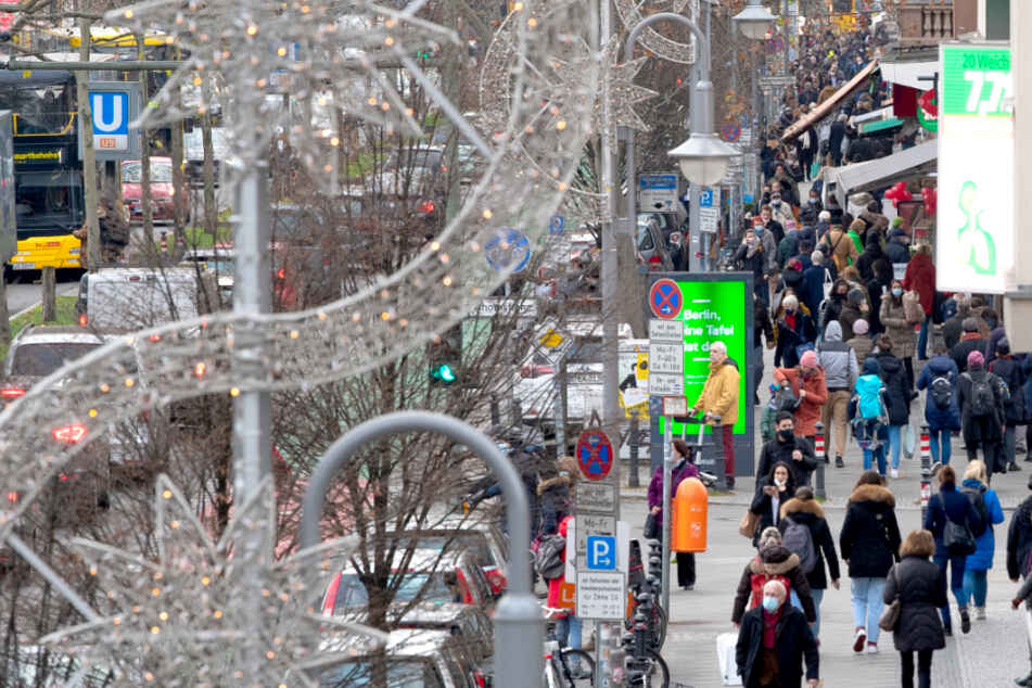 Berlin: Feuer in Berliner U-Bahnhof ausgebrochen