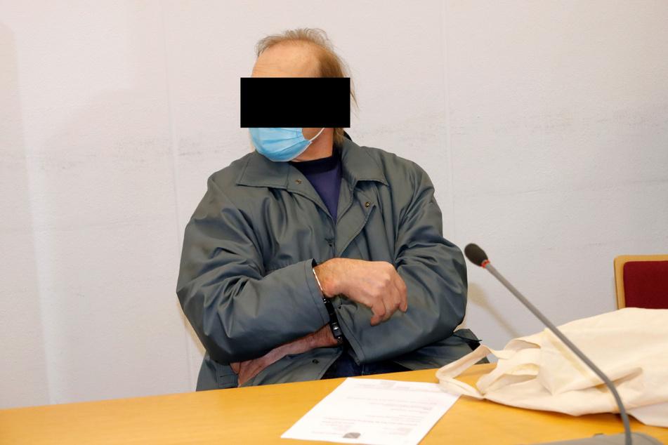Gerd D. (63) war von Anfang an bewusst, dass er in den Knast gehen würde. Unaufgeregt verfolgte er das Verfahren.