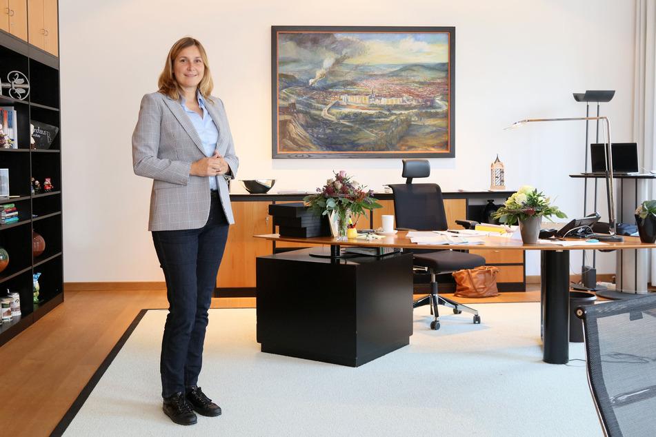 """Constance Arndt bezog am Montag ihr Büro im Zwickauer Rathaus. Den ersten Arbeitstag beschrieb die gelernte Einzelhandelskauffrau als """"actionreich""""."""