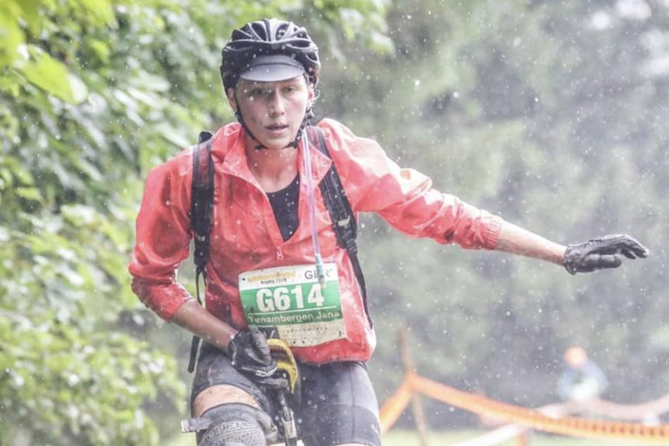 Frankfurt: Trotz Regen: Neuen Temporekord auf dem Einrad aufgestellt