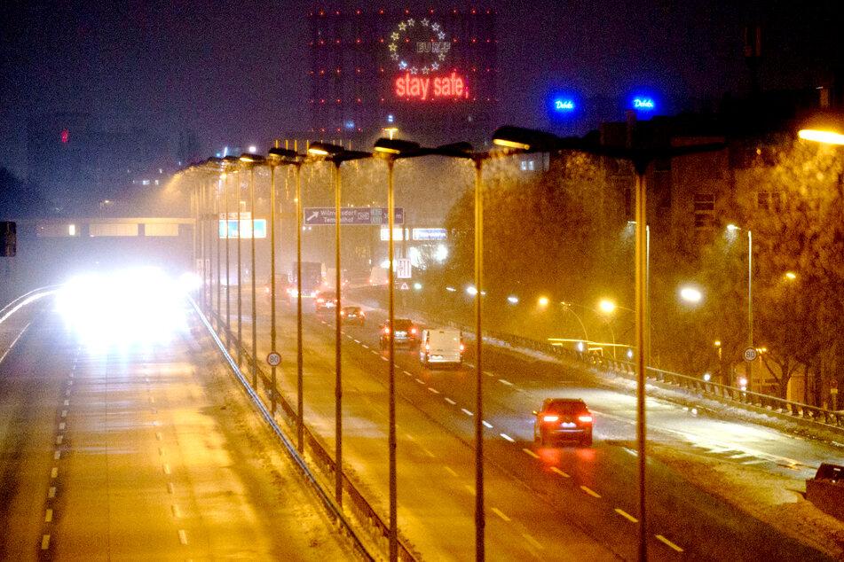 Fernverkehr eingestellt! Extreme Glätte führt zu Verzögerungen und Ausfällen