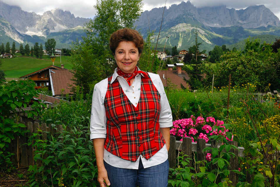 Monika Baumgartner (70) während der Dreharbeiten 2010 am Wilden Kaiser in Österreich.